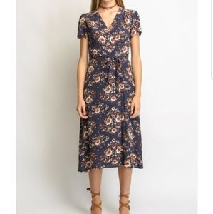 Nwt Wayf Berkshire Wrap Midi wrap dress
